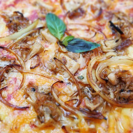 JAKO&CIPOLLA vegan pizza baked